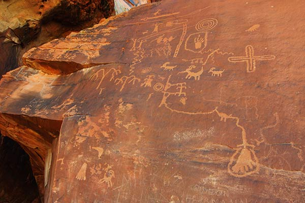 Ancient petroglyphs at Atlatl Rock, Valley of Fire State Park, Nevada